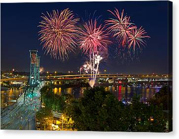 4th Of July Fireworks Canvas Print by David Gn