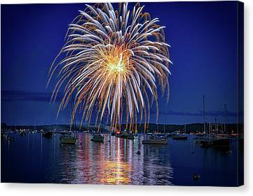 Canvas Print featuring the photograph 4th Of July Fireworks by Rick Berk