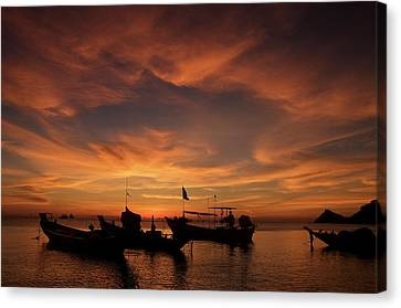 Sunrise On Koh Tao Island In Thailand Canvas Print by Tamara Sushko
