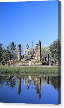 Wat Mahathat Canvas Print by Gloria & Richard Maschmeyer - Printscapes