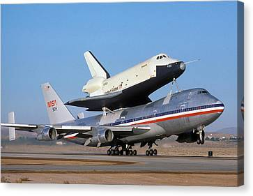 747 Takes Off With Space Shuttle Enterprise For Alt-4 Canvas Print by Brian Lockett