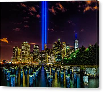 9/11 Tribute In Light 2015 - Brooklyn Canvas Print