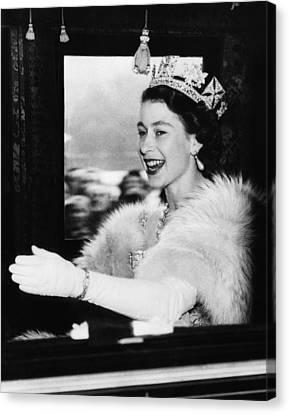 Eht10 Canvas Print - British Royalty. Queen Elizabeth II by Everett