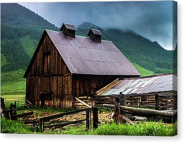 A Barn In Crested Butte Canvas Print
