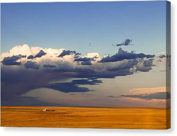 Canvas Print featuring the photograph A Barn On The Prairie by Monte Stevens