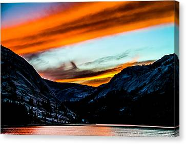 A Beautiful Jet Stream At Sunrise Canvas Print by Brian Williamson