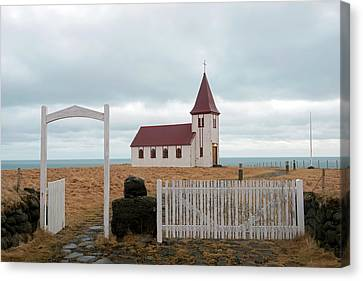 Canvas Print featuring the photograph A Church With No Fence by Dubi Roman