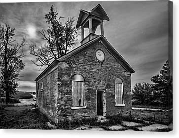 A Crumbling One Room School House Amongst The Cornfields Canvas Print by Sven Brogren