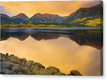 Canvas Print featuring the photograph A Moment In Time by Tim Reaves