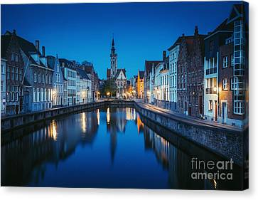 A Night In Brugge Canvas Print by JR Photography