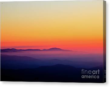 Canvas Print featuring the photograph A Simple Sunrise by Douglas Stucky