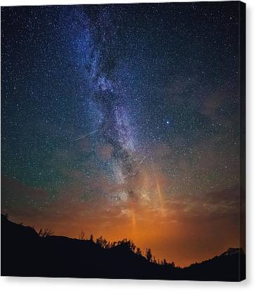 A Sky Full Of Stars Canvas Print by Tor-Ivar Naess