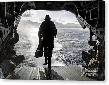 A Soldier Conducts A Combat Dive Canvas Print by Stocktrek Images