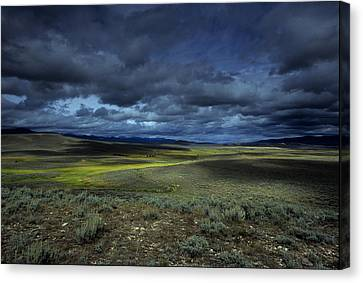A Storm Builds Up Over A Colorado Canvas Print by David Edwards