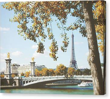Canvas Print featuring the photograph A Stroll Along The River Seine In Paris by Ivy Ho