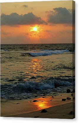 Canvas Print featuring the photograph A Sunset To Remember by Lori Seaman