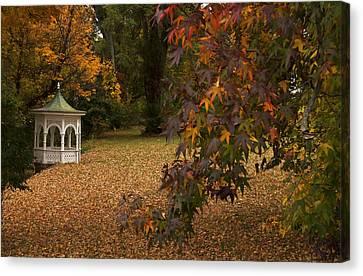 A Washington Crossing Autumn Canvas Print by Elsa Marie Santoro
