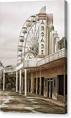 Abandoned Arcade And Ferris Wheel Canvas Print