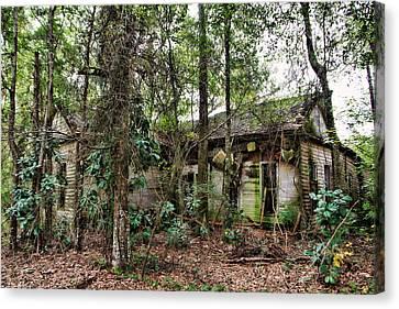 Abandoned House In Alabama Canvas Print by Lynn Jordan