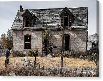 Abandoned House In Central Utah Canvas Print by Gary Whitton