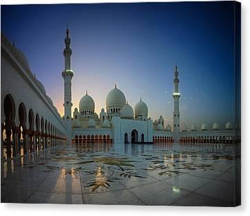 Abu Dhabi Grand Mosque Canvas Print