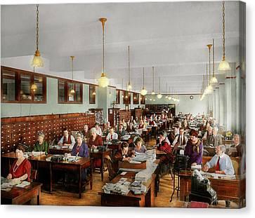 Accountant - Workaholic 1923 Canvas Print