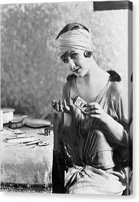 Dressing Room Canvas Print - Actress Laura La Plante by Underwood Archives