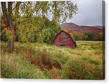 Adirondack Barn In Autumn Canvas Print