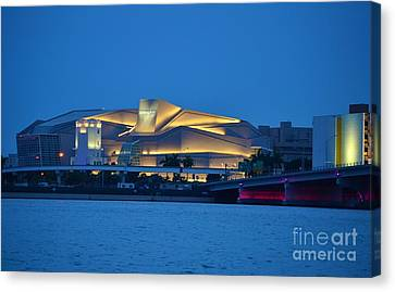 Adrienne Arsht Center 2 Canvas Print