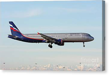 Canvas Print featuring the photograph Aeroflot - Russian Airlines Airbus A321-211 by Amos Dor