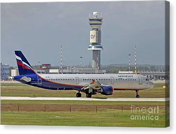 Canvas Print featuring the photograph Aeroflot - Russian Airlines Airbus A321-211 - Vq-bei by Amos Dor