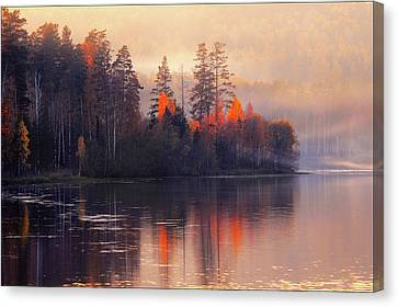Canvas Print featuring the photograph Afterglow by Vladimir Kholostykh