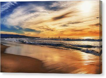 Canvas Print featuring the photograph Afternoon At The Beach by Michael Hope