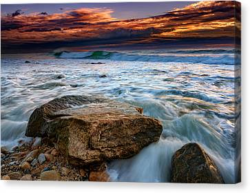 Against The Tide At Montauk Point Canvas Print
