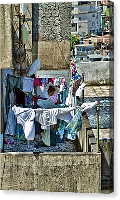 Canvas Print featuring the photograph Air Dry by Kim Wilson