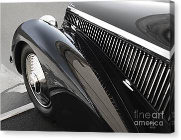 Alfa Romeo,2900 8c Canvas Print by Curt Johnson