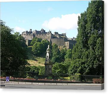 Allan Ramsay Statue And Edinburgh Castle Canvas Print by Keith Stokes