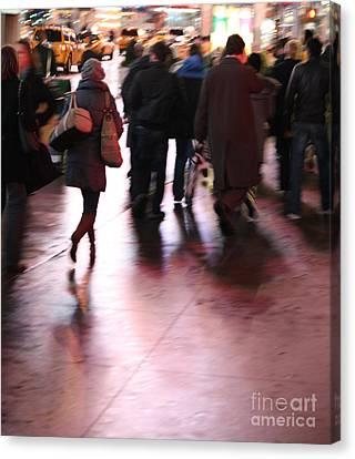 Alone In New York Canvas Print by Wilko Van de Kamp