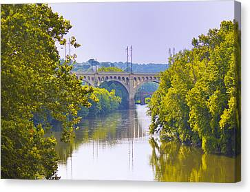 Along The Schuylkill River In Manayunk Canvas Print by Bill Cannon