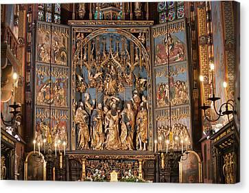 Altarpiece By Wit Stwosz In St. Mary's Basilica In Krakow Canvas Print