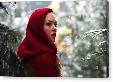 Amanda Seyfried In Red Riding Hood Canvas Print by F S