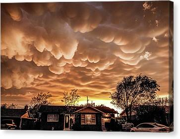 Amarillo Mammatus Canvas Print