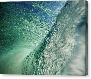 Amazing Wave Canvas Print