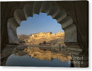 Canvas Print featuring the photograph Amber Fort Reflection by Yew Kwang