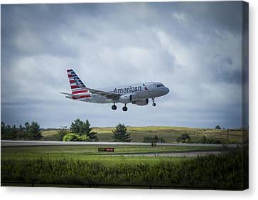 American Airlines Airbus 319 N9015d Canvas Print by Reid Callaway