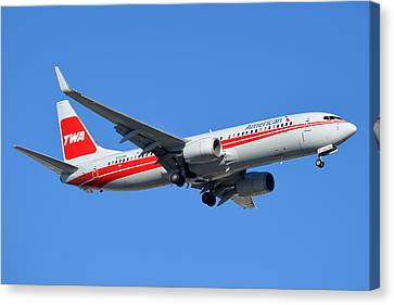 American Boeing 737-823 N915nn Phoenix Sky Harbor January 11 2015 Canvas Print by Brian Lockett