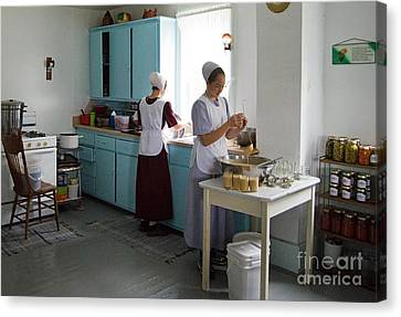Amish Kitchen Canvas Print by Fred Lassmann