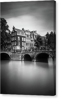 Amsterdam, Leliegracht Canvas Print by Ivo Kerssemakers