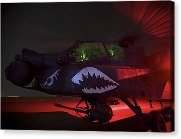 An Ah-64d Apache Longbow Canvas Print by Terry Moore