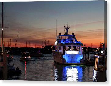 Canvas Print featuring the photograph An Evening In Newport Rhode Island Iv by Suzanne Gaff